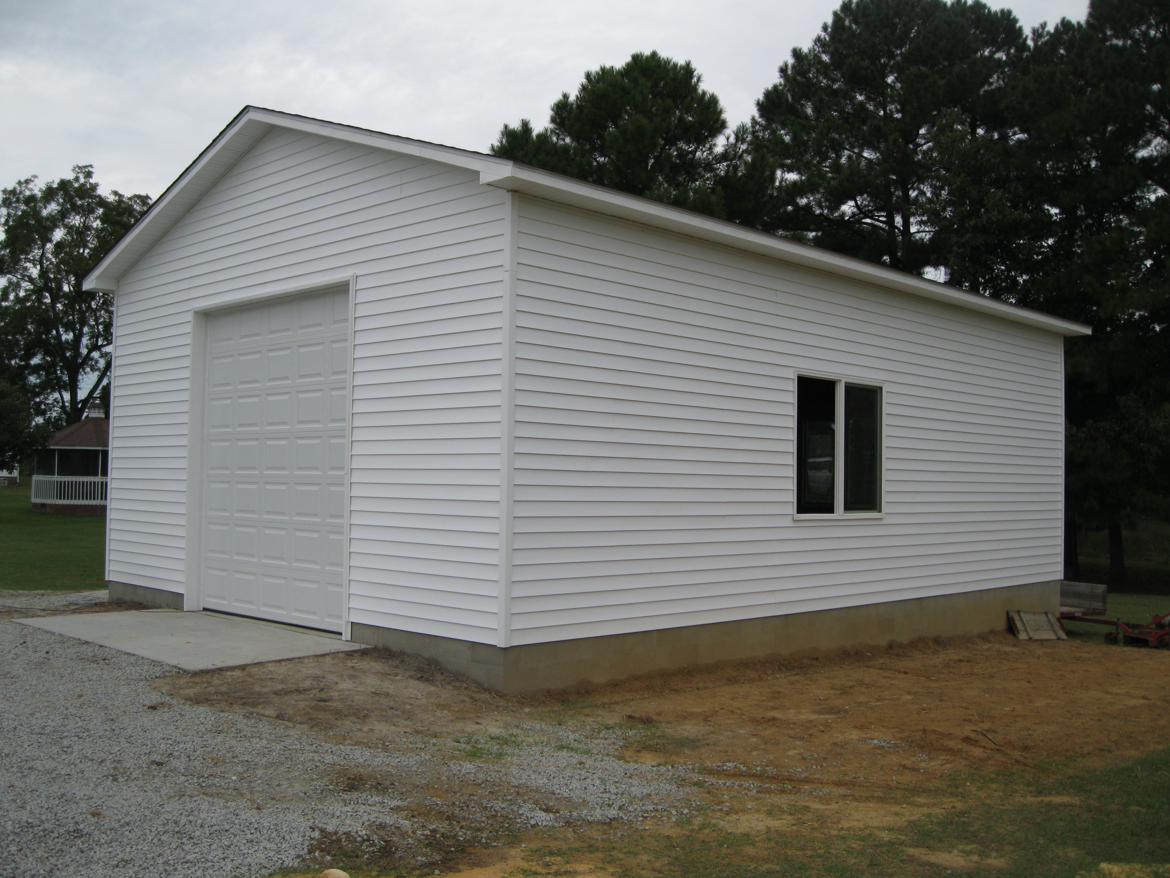 24x36-ft-garage-with-vinyl-siding-032